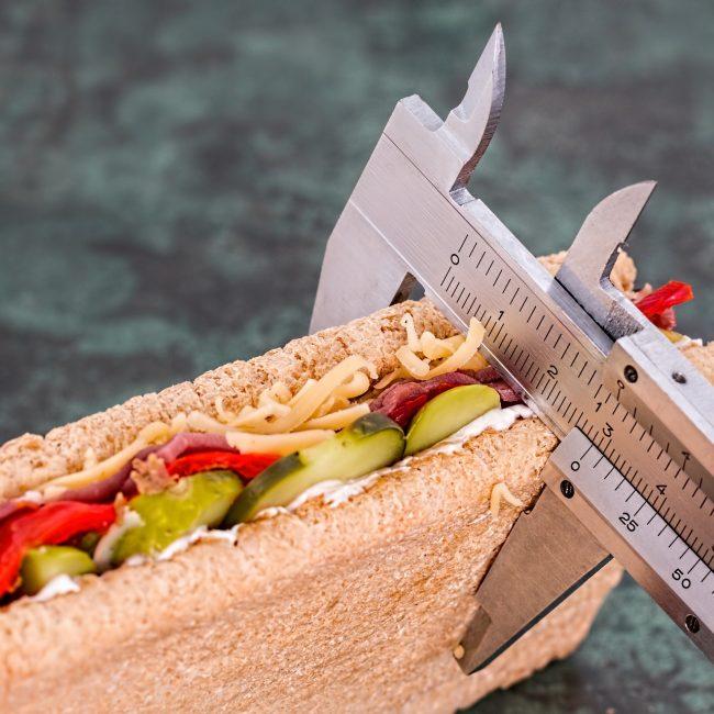 Tloustnete a žádná dieta vám nezabírá. Možná je to tím, že hladovíte